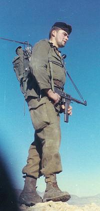 Contrairement à la guerre d Indochine (1946-1954), la France a recours aux Appelés du contingent en Algérie.