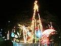Arbol de Navidad y adornos afuera del Congreso. - panoramio.jpg