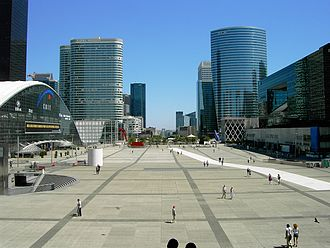 Grande Arche - Image: Arc De Triomphe from the Grande Arche