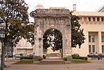 Arc romain de Campanus à Aix-les-Bains