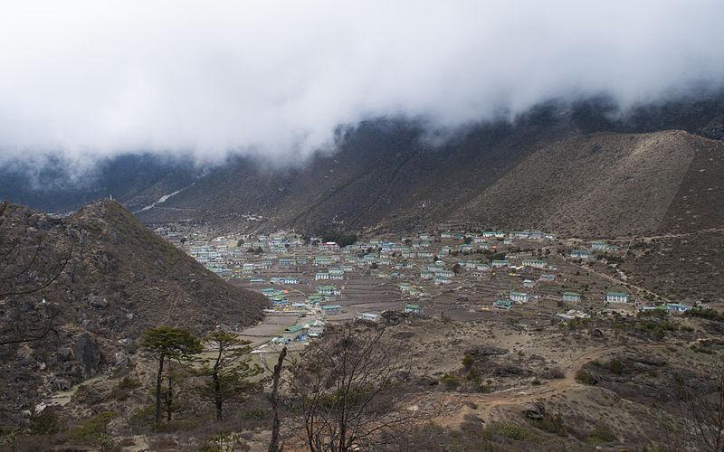 Khumjung після землетрусу, Непал. Автор фото — Jone Jones (    CC-BY-SA-3.0)