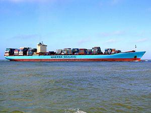 Arthur Maersk pic05 approaching Port of Rotterdam, Holland 08-Mar-2007.jpg