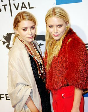 Ashley and Mary-Kate Olsen 2011 Shankbone (5641823969).jpg