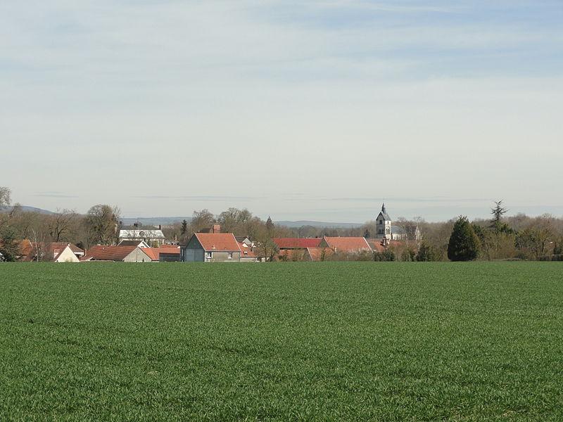 Vue du village d'Athis, depuis le sud-ouest.