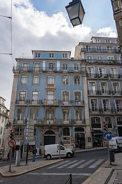 File:Azulejos in Lisbon (27952145857).jpg