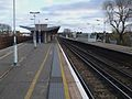 Balham station mainline northbound slow platform look south.JPG