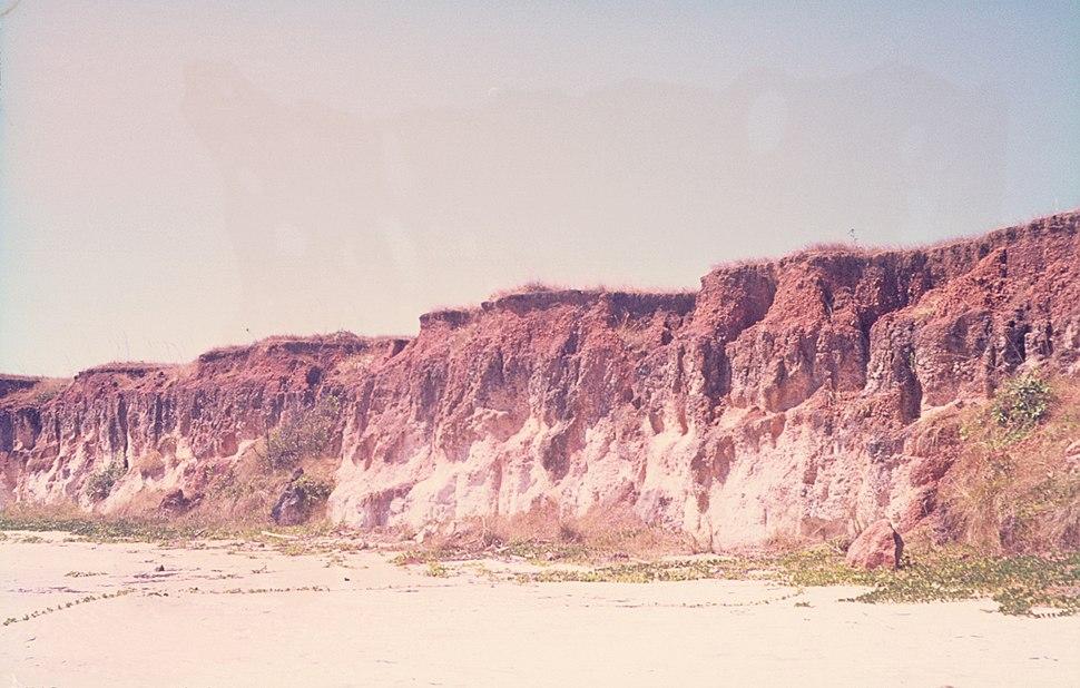 Bauxite section on kaolinitic sandstone C 007