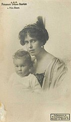 Beatrice of Edinburgh and Saxe-Coburg-Gotha with son Alvaro.jpg