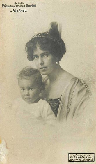 Princess Beatrice of Saxe-Coburg and Gotha - Princess Beatrice and her eldest son
