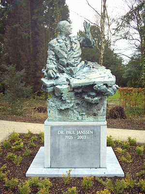 De Grootste Belg - Image: Beerse Statue Paul Janssen 070225