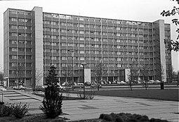 Berlin Interbau Zehngeschosswohnhaus (Schweden) 061105b.jpg
