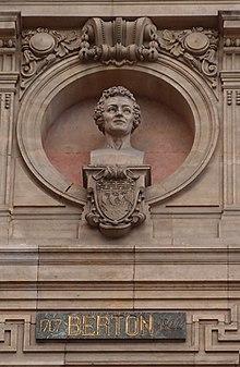 Büste von Henri Montan Berton an der Opéra Garnier in Paris (Quelle: Wikimedia)