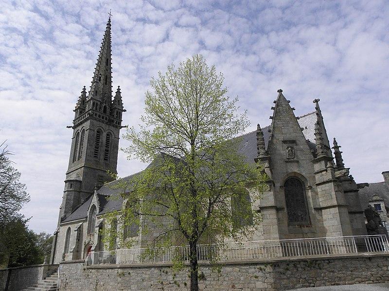 Église Notre-Dame de Bieuzy (56). Chevet et flanc sud.