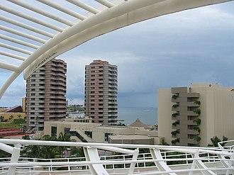 """Boca del Río, Veracruz - View of central Boca del Rio to the northeast, taken from the """"Puente de Amistad"""" (Friendship Bridge)"""