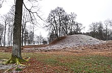 Borre mound cemetery Norway.jpg