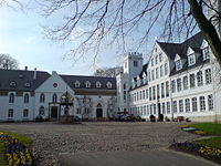 Breitenburg Schloss Hof.JPG