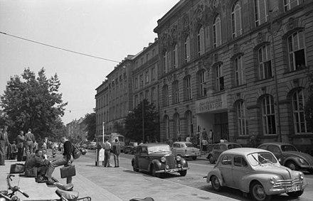 Hauptgebäude der Universität (Jügelhaus), Juni 1958