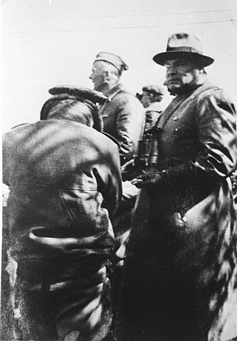 Hugo Sperrle, with Richthofen, somewhere in Spain (1936) Bundesarchiv Bild 146-1969-133-24, Spanien, Hugo Sperrle, Wolfram Freiherr v. Richthofen.jpg