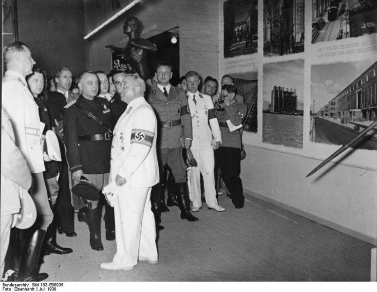 File:Bundesarchiv Bild 183-E08935, Hamburg, KdF-Leistungsschau.jpg