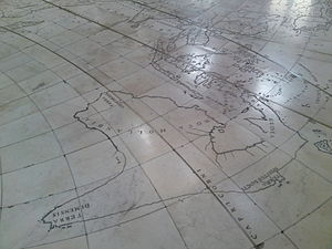 Melchisédech Thévenot - Photo of the marble floor inlaid into the Amsterdam Town Hall showing Nova Hollandia and Terra Dimensis – the inlayer incorrectly connected the two, while the original Blaeu map shows the gap.