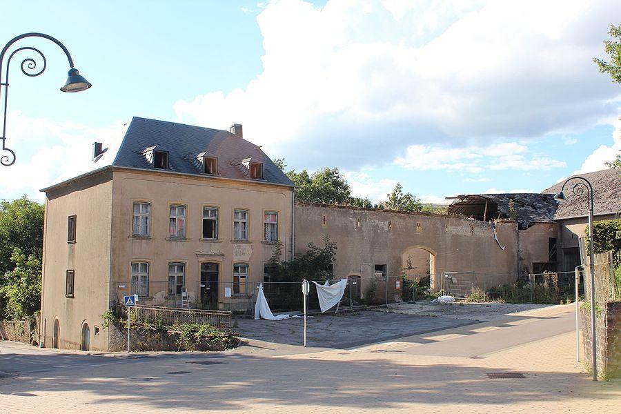 Fréiere Baurenhaff an der rue Flammang zu Biermereng; gouf de 26. Mäerz 2013 op d'Lëscht vum Zousaz-Inventaire vun den nationale Monumenter agedroen.
