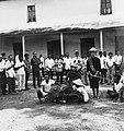 COLLECTIE TROPENMUSEUM Plechtigheid met karbouwen als onderdeel van het vorstelijk huwelijk in de kraton van Surakarta TMnr 20000228.jpg