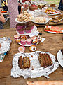 Cake stand (14287039688).jpg