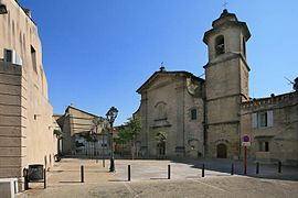 The church square, in the village of Camaret-sur-Aigues