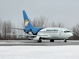 Canadian North Boeing 737-200 Davies.jpg