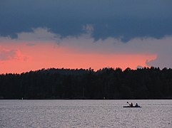 Canoeing-on-Lake-Saimaa-at-sunset.jpg