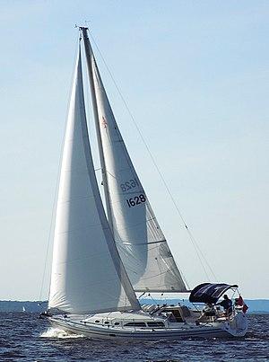 Catalina 34 - Image: Catalina 34 sailboat 1027