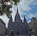 Catedral de Barcelona (7938610672).jpg