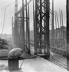 Cecil Beaton Photographs- Tyneside Shipyards, 1943 DB33.jpg