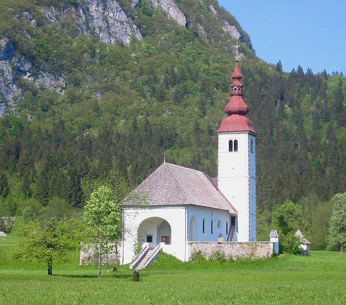 Fichier:CerkevBitnje-Bohinj.jpg