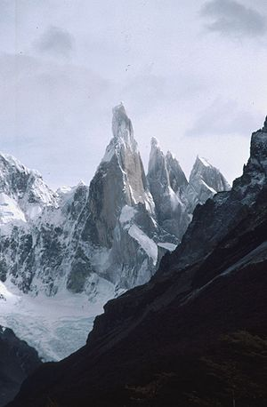 Pinnacle (geology) - Image: Cerro Torre