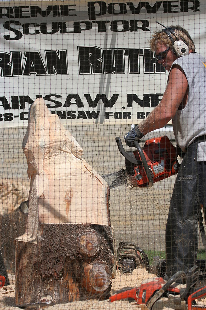 File chainsaw carving nysfair g wikimedia commons