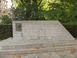 Charles de Broqueville - Memorial to Charles de Broqueville on Avenue de Broqueville, Woluwe-St-Lambert, Brussels