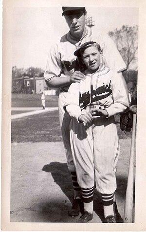 Brooklyn Bushwicks - Image: Charlie Hyman & Joe Di Maggio, Bushwicks' uniform, 1936