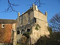 Chateau de Frontenay 02.jpg