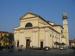 Chiesa di San Bartolomeo vista da Piazza Roma.JPG