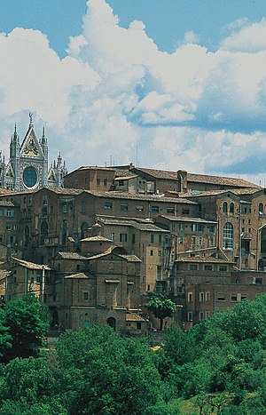 San Sebastiano in Vallepiatta, Siena - Rear of church is found below the cathedral at right.