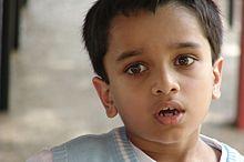 https://upload.wikimedia.org/wikipedia/commons/thumb/a/a1/Child-3328.jpg/220px-Child-3328.jpg