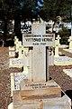 Cimitero italiano di asmara, tombe militari 05 vittorio vernè, fasci littori.JPG