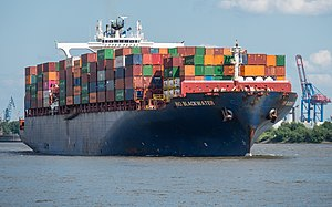 "Container ship ""Rio Blackwater"" in Hamburg.jpg"
