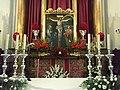 Cristo de Chircales en el Altar Mayor de la Parroquia de Santiago Apóstol de Valdepeñas de Jaén.jpg