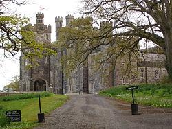 Crom Castle in 2008.jpg