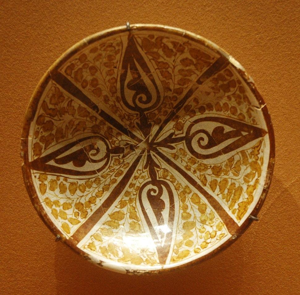 Cup lustre Louvre OA8179