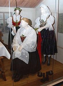 36bf05ee713609 Suknia ślubna – Wikipedia, wolna encyklopedia