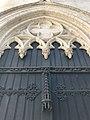 Détail proche de l'église Saint Boniface d'Ixelles.jpg