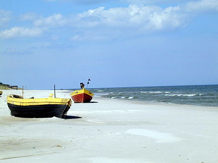 The Polish Baltic Sea coast is approximately 528 kilometres (328 mi) long and extends from Usedom island in the west to Krynica Morska in the east. Debki 1a.jpg